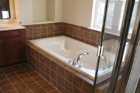 jqgallery/contractors/images/bathroom/bathroom002.jpg